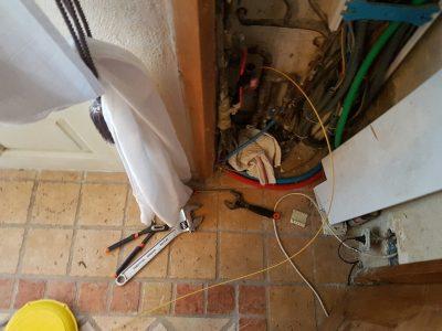 Recherche de fuite sur un réseau d'eau potable en PE20 à Arles (13)